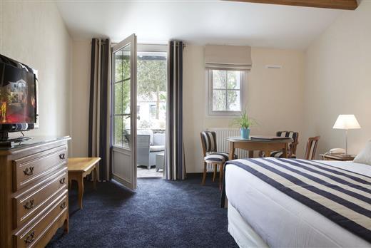 hotel noirmoutier hotel restaurant a noirmoutier en l 39 ile h tel les prateaux. Black Bedroom Furniture Sets. Home Design Ideas
