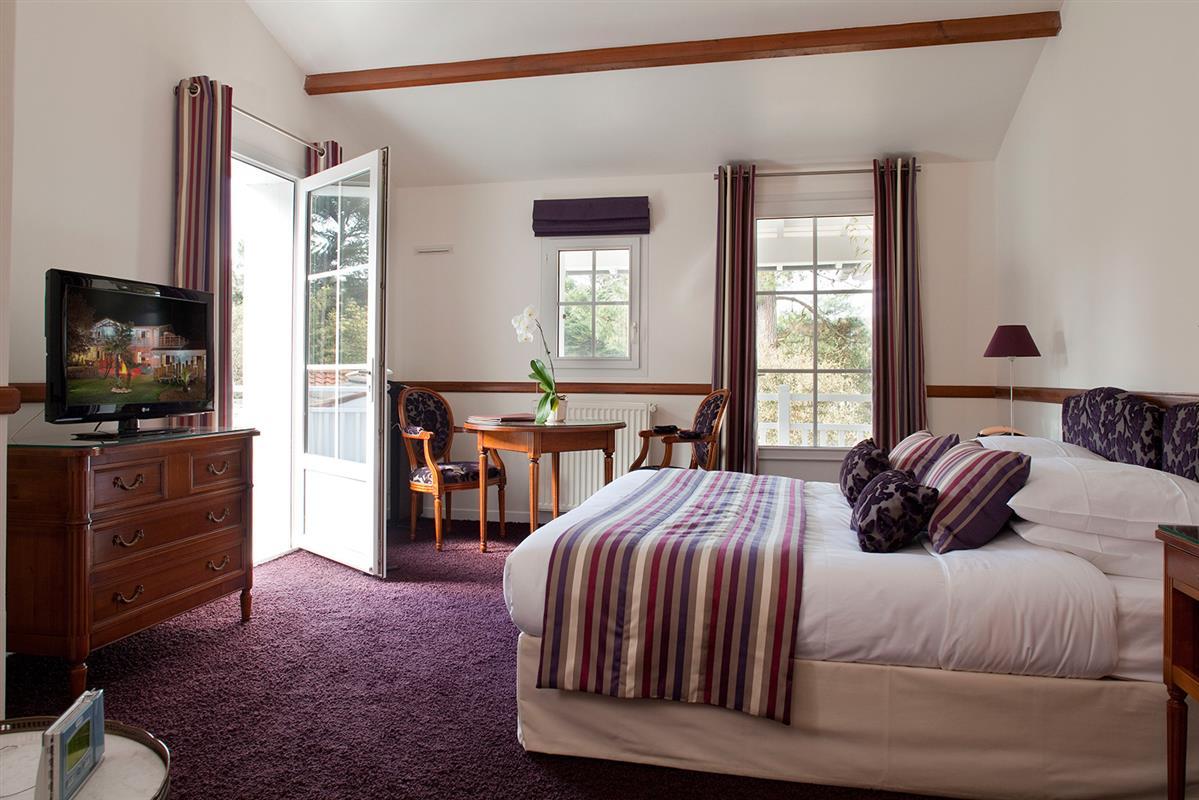 la prestige les chambres de l 39 hotel noirmoutier les prateaux h tel les prateaux. Black Bedroom Furniture Sets. Home Design Ideas